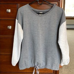 Anne Klein gray & white sweatshirt - size Medium.